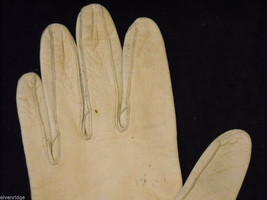 Pair of Off White Leather gloves (1950s-1960s) image 5