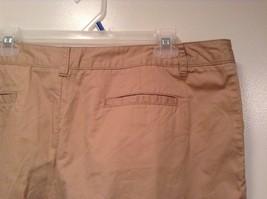 Merona 100 Percent Cotton Size 16 Sand Colored Casual Shorts Light Fabric image 6