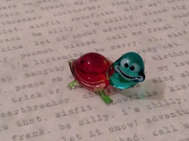 Micro miniature hand blown glass figurine USA blue green w red shell turtle NIB image 2