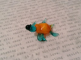Micro miniature hand blown glass figurine blue turtle with orange shell USA NIB image 3
