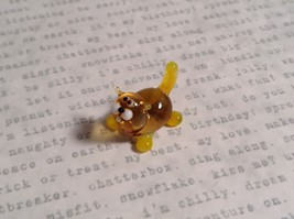 Micro miniature small hand blown glass figurine amber yellow cat USA  NIB image 6