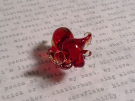 Micro miniature small hand blown glass figurine red and clear elephant USA  NIB image 2