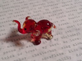Micro miniature small hand blown glass figurine red and clear elephant USA  NIB image 3