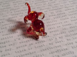 Micro miniature small hand blown glass figurine red and clear elephant USA  NIB image 4