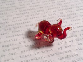 Micro miniature small hand blown glass figurine red and clear elephant USA  NIB image 6