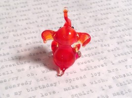 Micro miniature small hand blown glass red amber sitting elephant USA made image 4
