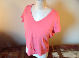 Pink Relaxed Fit Short Sleeve V-Neck T-Shirt Made in Guatemala  Size XL image 4
