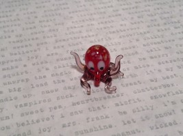 Miniature small hand blown glass red octopus made USA NIB image 2