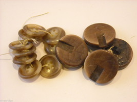 Mixed lot of vintage buttons in clear brown and yellow image 4