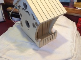 New birdhouse never used stored in the barn cream with hearts image 6