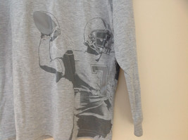 Old Navy Gray Long Sleeve Football Player Graphic Shirt Size Large 10 to 12 image 2