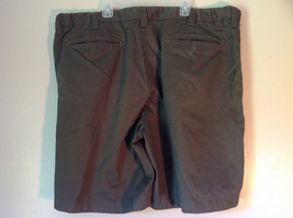 Olive Green Size 42 Cherokee Pleated Shorts Front and Back Pockets Belt Loops image 2