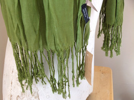 Olive Green Scrunch Style Silk Cotton Scarf with Tassels TAG ATTACHED by Look image 5