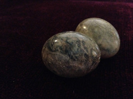 Pair of Alabaster Green Polished Decorative Eggs image 4