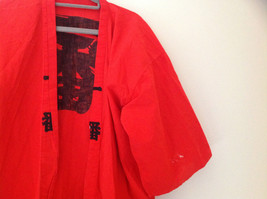 Red Asian Symbols Short Sleeve Kimono Made in  Japan No Brand Tag Size Large image 2