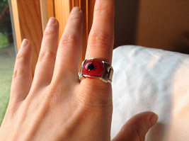 Red Eye Silver Tone Metal Wired Ring Size 7.75 image 7
