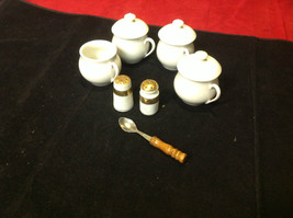 Pretty tea set white colored 7 pieces Made in France vintage image 2