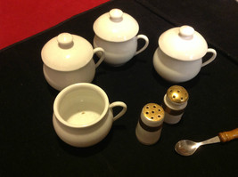 Pretty tea set white colored 7 pieces Made in France vintage image 9