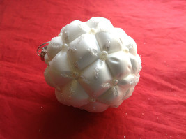 Puffy  White Glass Ornaments Flat ball/ball/shuttle 3 assort 3, 4 & 5 Inch High image 9