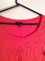 Red Talbots Short Sleeve Cotton Rounded Neckline Top Pattern on Front Size 1X image 3