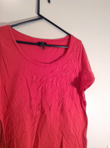 Red Talbots Short Sleeve Cotton Rounded Neckline Top Pattern on Front Size 1X image 2