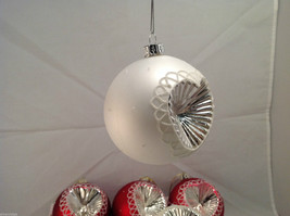 Red White Blown Glass Ball with Heart Holiday Ornament, Set of 5. image 4