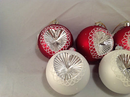 Red White Blown Glass Ball with Heart Holiday Ornament, Set of 5. image 2