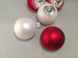 Red White Blown Glass Ball with Heart Holiday Ornament, Set of 5. image 5