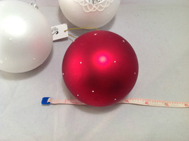 Red White Blown Glass Ball with Heart Holiday Ornament, Set of 5. image 6