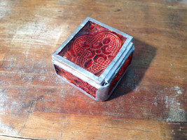 Red Embossed Glass Ring Box with Mirrored Bottom Paisley Designed Glass Handmade image 4