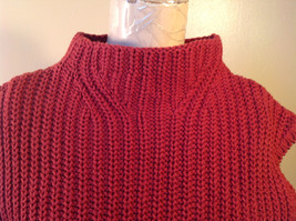 Red Knitted Sleeveless Turtleneck Stretch Sweater Brand 262-1/2 Size Medium image 2