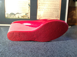 Red Style and Company Wedge Heel Shoes Size 8M Great Condition See Pictures image 5
