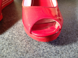 Red Style and Company Wedge Heel Shoes Size 8M Great Condition See Pictures image 8