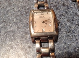Relic ZR33482 Watches Date on Face of Watch image 3