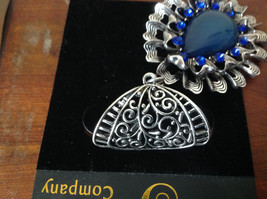 Round Shaped Large Blue Stone and Small Blue Crystals Silver Tone Scarf Pendant image 4
