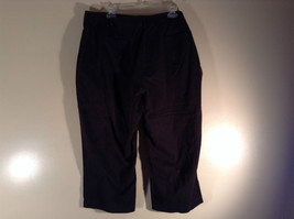 Sag Harbor Stretch Size 18 Black Capri Pants Front and Back Pockets Zip Closure image 4