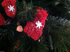 Set of 6 Glittery Pairs of Hat and Mitten Tree Ornaments image 3