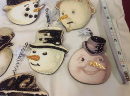Set of 6 vintage image wood Snowman head ornaments with glitter and snowflakes image 2