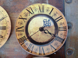 Set of Four Vintage Clock Face Glass Trays Roman Numeral Numbers image 3