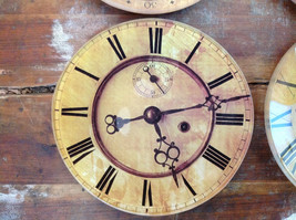 Set of Four Vintage Clock Face Glass Trays Roman Numeral Numbers image 5