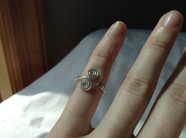 Silver Double Swirl Open and Adjustable Wire Toe Ring  image 4