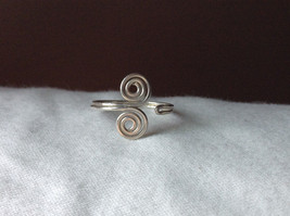 Silver Double Swirl Open and Adjustable Wire Toe Ring  image 7