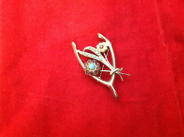 Silver Flowers Floral Brooch Pin with Inset Purple and Blue Semi Percious Stone image 2