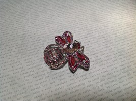 Silver Tone Crystal Inlaid Pink Bee Brooch Pin Light and Dark Pink image 2