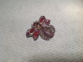 Silver Tone Crystal Inlaid Pink Bee Brooch Pin Light and Dark Pink image 4