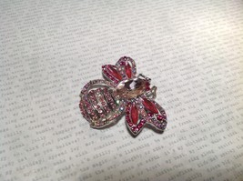 Silver Tone Crystal Inlaid Pink Bee Brooch Pin Light and Dark Pink image 5