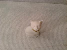 Sitting White Glass Cat Figurine EMPTY Cologne Jar Avon image 6
