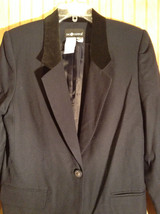 Size 10 Sag Harbor 100 Percent Wool with Polyester Lining Black Blazer image 2