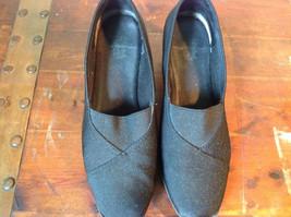Size 9 Faded Glory Small Heeled Wedge Like Shoes image 2
