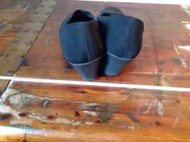 Size 9 Faded Glory Small Heeled Wedge Like Shoes image 5